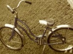 1970s_schwinn_small_girls_bike_hollywood_blue_make_offer_peru_28526083